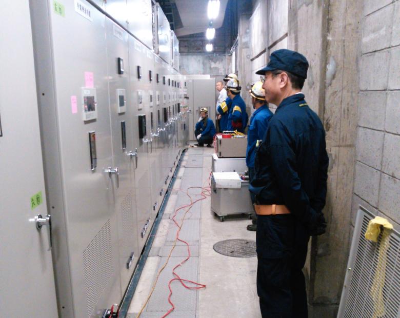 特高受変電設備更新工事完成試験状況